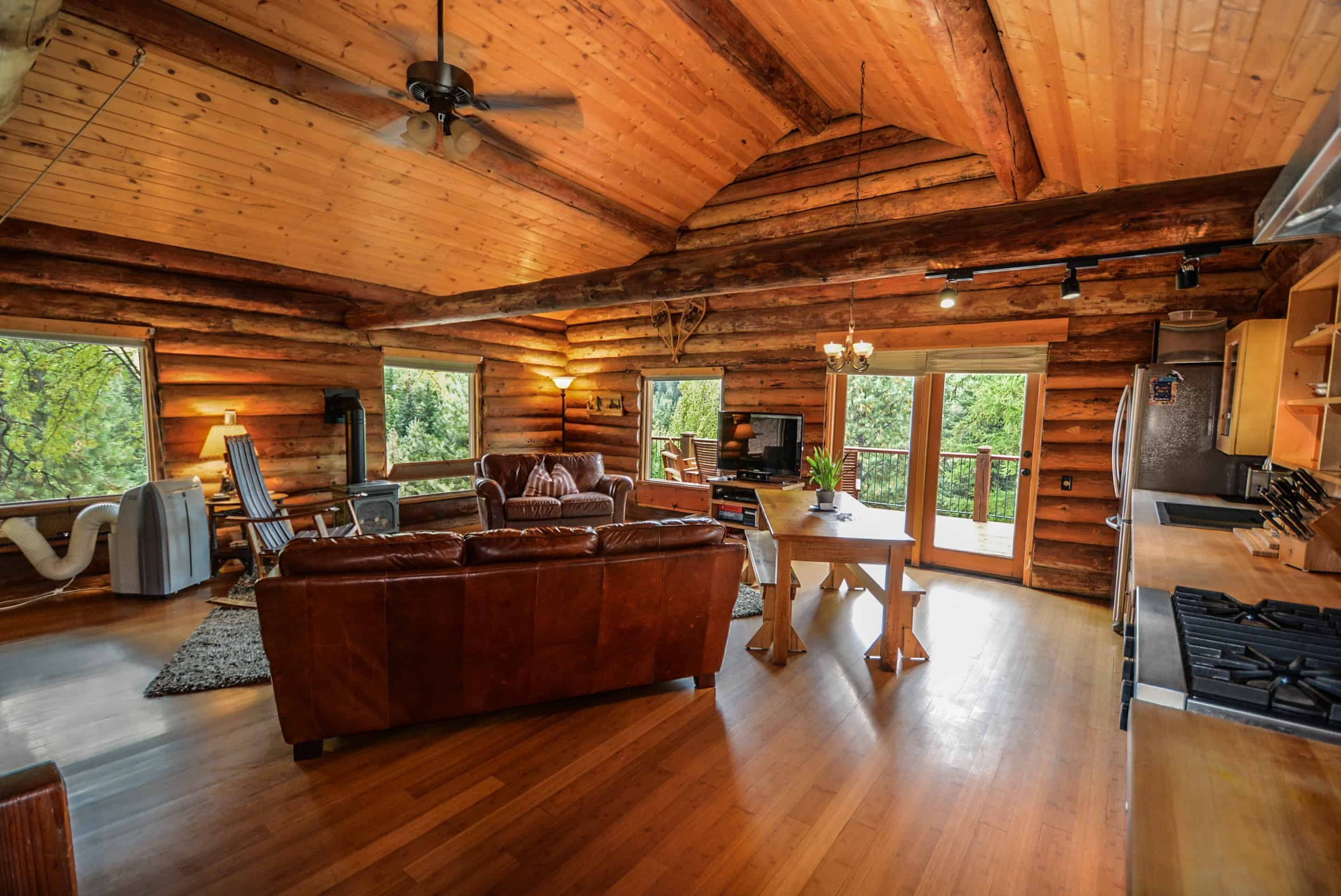 Creating The Log Cabin Feel In Your Home