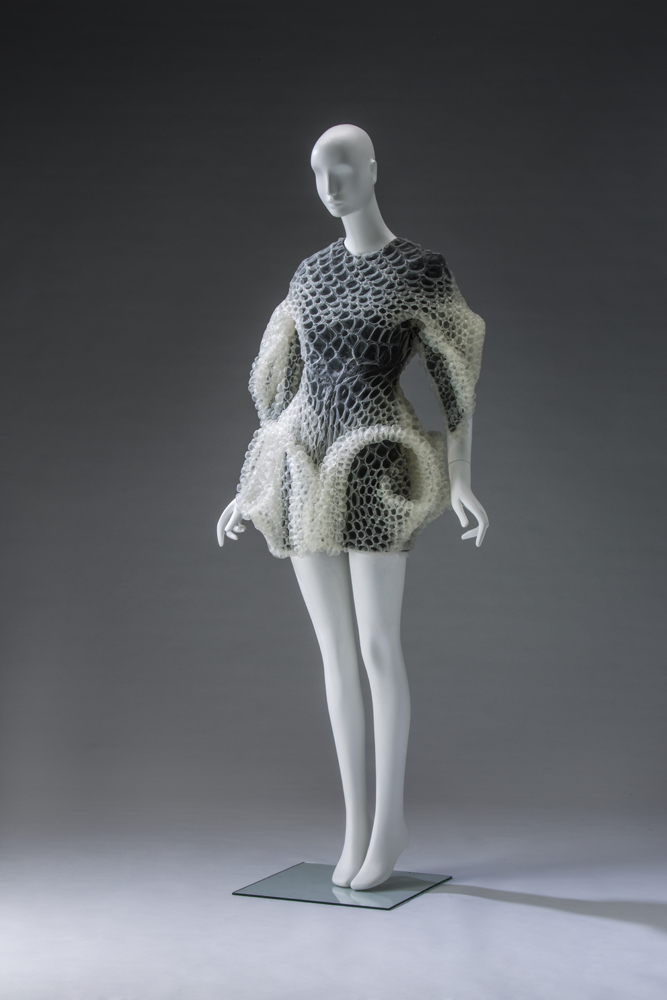 Iris van Herpen Dress / Autumn/Winter HC 2016 Collection of the Kyoto Costume Institute. Photo by Takashi Hatakeyama