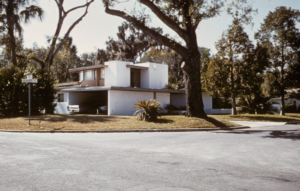 The Goldman House in 1965, the year it was designed and built. Nils M. Schweizer designed the home and the Goldmans acting as their own general contractor, supervised construction.