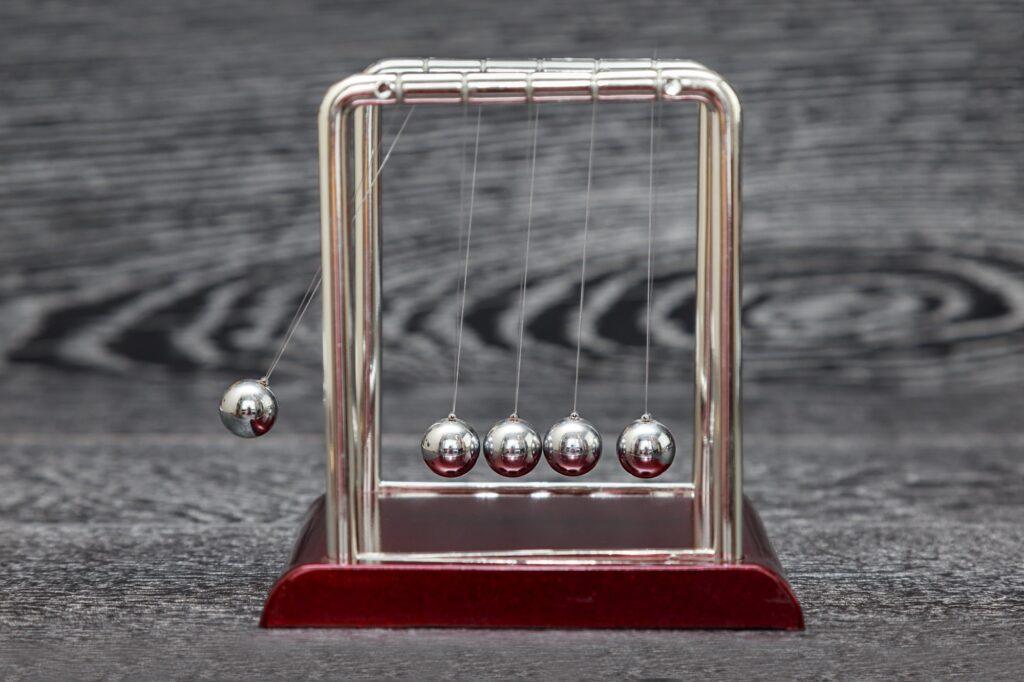 pendulum balls